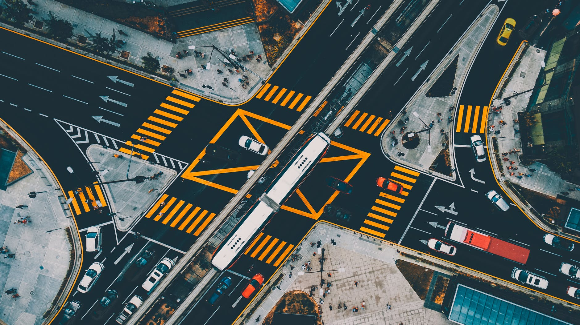 Opóźnienia inwestycji drogowych wiążą się z ogromnymi kosztami.